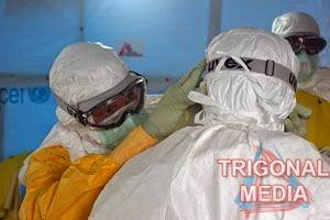 tenaga medis penanganan ebola