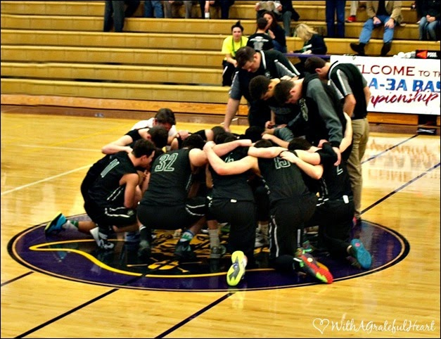 Coos Bay Trip - Team Prayer