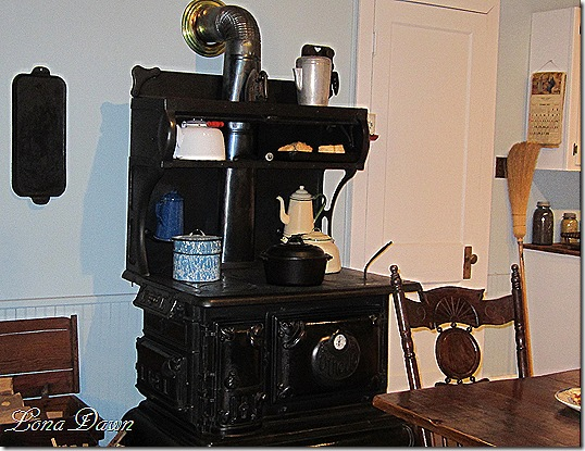 Waltons_Kitchen_Stove