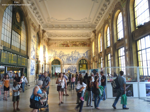interior-estacion-sao-bento-oporto.JPG