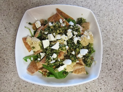 greek pita salad 045