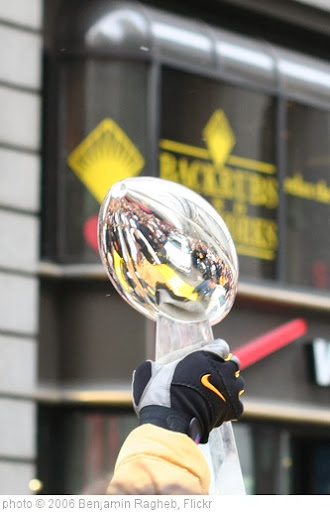 'Lombardi Trophy aloft' photo (c) 2006, Benjamin Ragheb - license: http://creativecommons.org/licenses/by-sa/2.0/