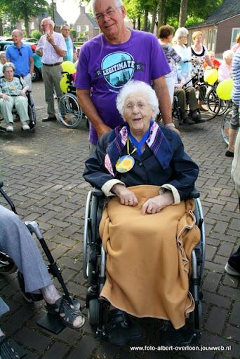 rolstoeldriedaagse dag 1  overloon 05 juli  2011 (6).JPG