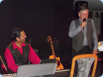 Ben Fernandez accompanied Len Hancy (vocals) for a few numbers and can be seen here sharing a humorous moment!