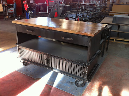 Attrayant Vintage Industrial Kitchen Island
