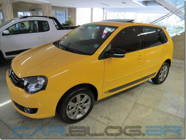 VW-Polo-Hatch-2013-Sportline-amarelo (6)