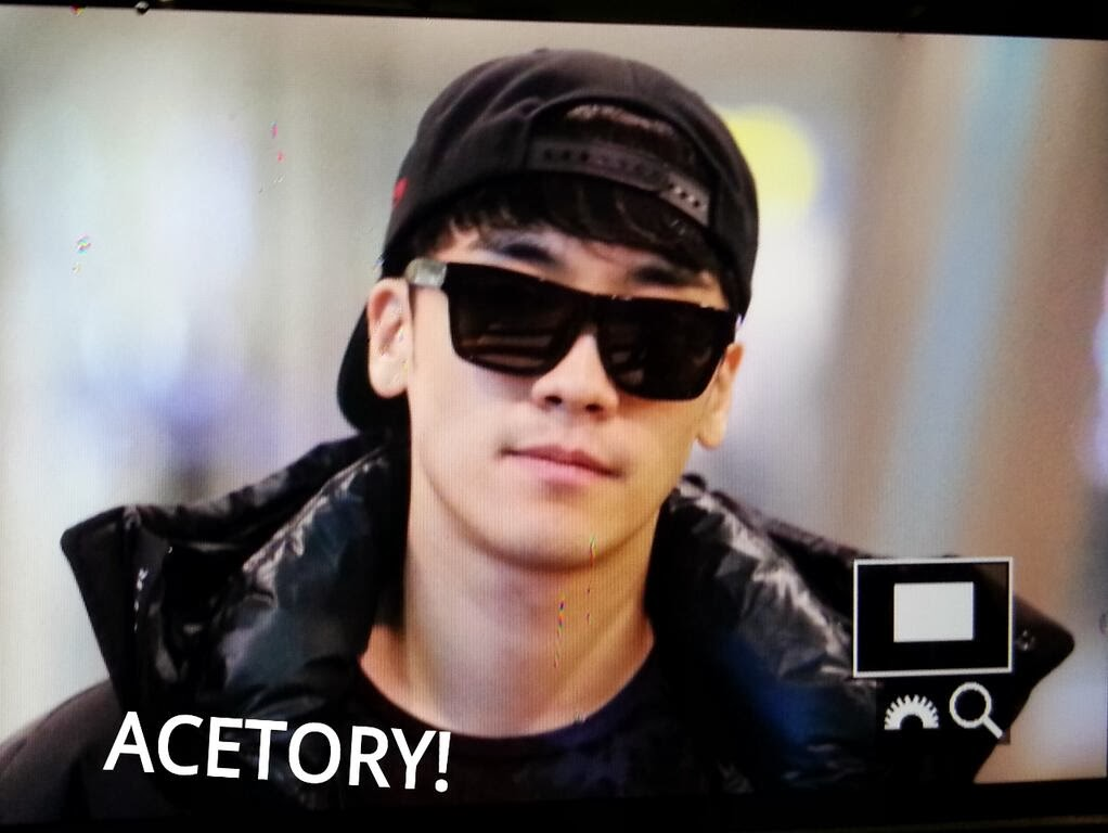 Dae Sung & Seung Ri - Incheon Airport - 09dec2013 - Seung Ri - Fan - Acetory - 02.jpg