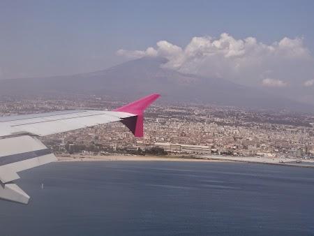 01. Aterizare Wizz Air la Catania, Sicilia.JPG