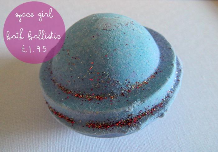 LUSH-space-girl-bath-ballistic