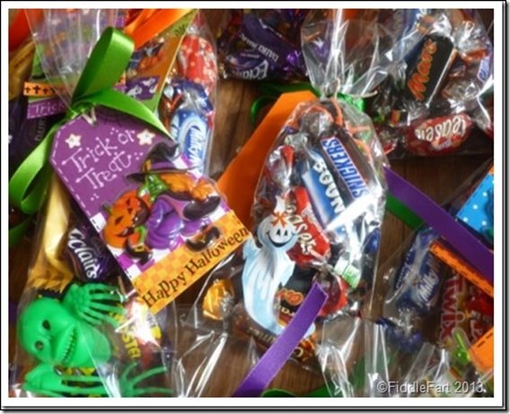 Halloween Trick or Treat Bags with tags. 13