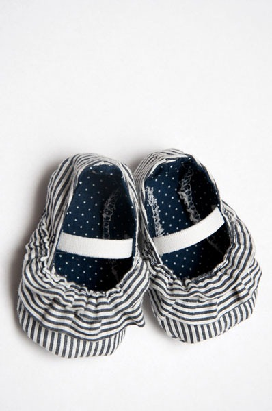 ruffle baby shoes tutorial