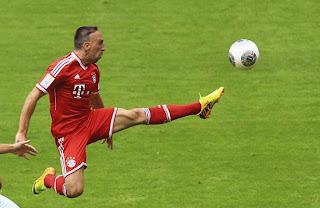 Allemagne: le Bayern, avec Ribéry, déroule, Dortmund coule