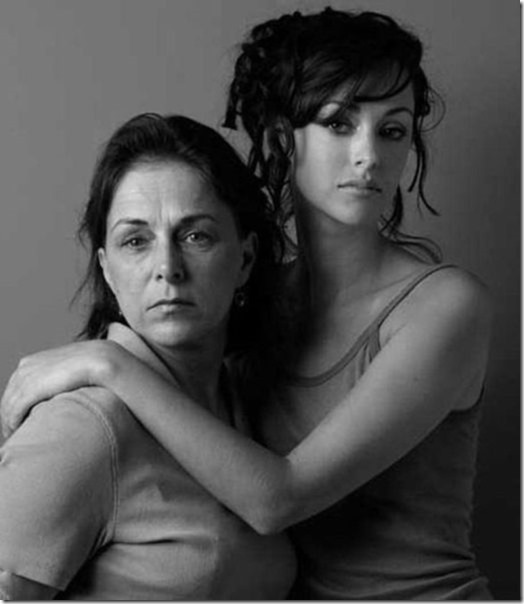 models-pose-moms-2