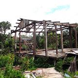 写真2 : 空き家になったスクウォッター住居(Sg. Sebatang)