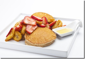 Carmelized_Bananna_and_Strawberry_Pancakes-3