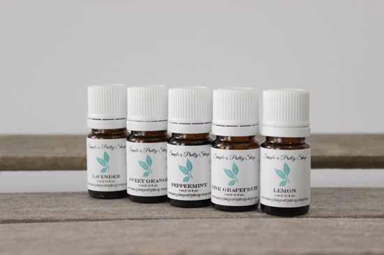 Essential Oil Starter Kit from www.simpleisprettyshop.etsy.com