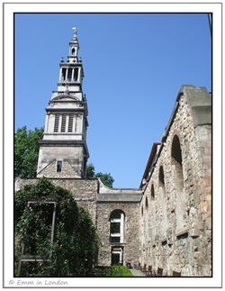 Christ Church Greyfriars ruins and garden