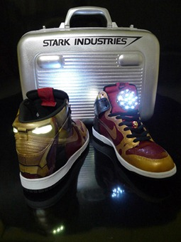 iron-man-2-nike-dunk-light-up-1