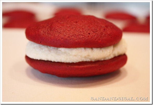 red velvet whoopie
