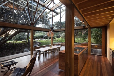 casa-under-pohutukawa-herbst-architectos