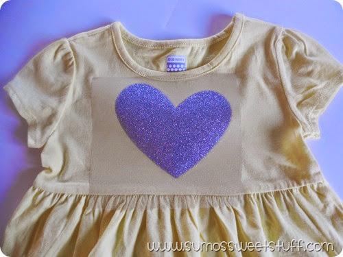 Embellish any dress or shirt using iron on heat transfer and Cricut Explore! SumosSweetStuff.com