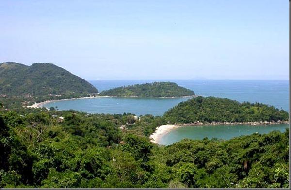 Praia Domingas Dias e Lázaro