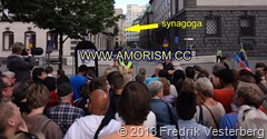 DSC08999 (1) Obama Kungsträdgården Synagoga folk (1). Beskuren. Med amorism