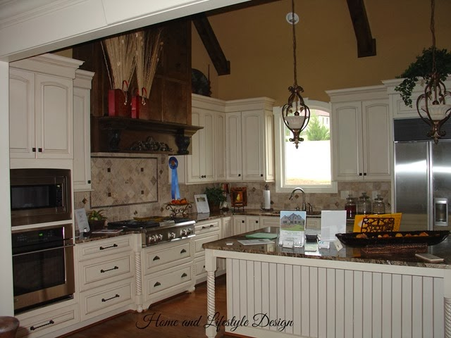 3203 Springhill Kitchen 1a