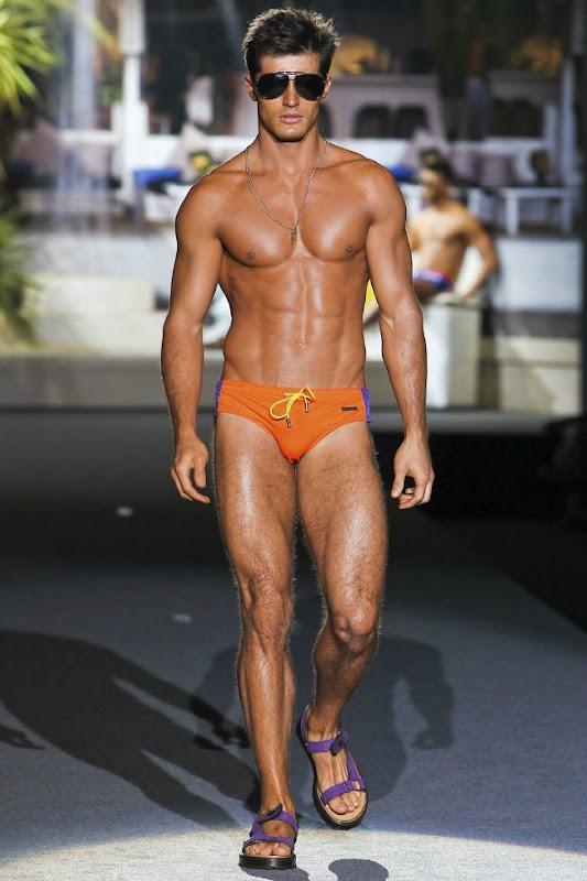 Milan Fashion Week Primavera 2012 - Dsquared² (32)