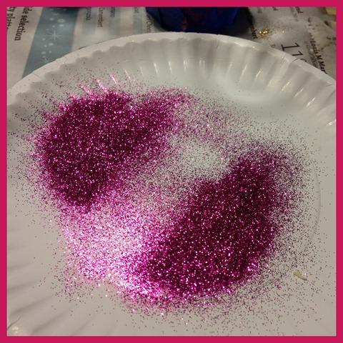 paper plate glitter