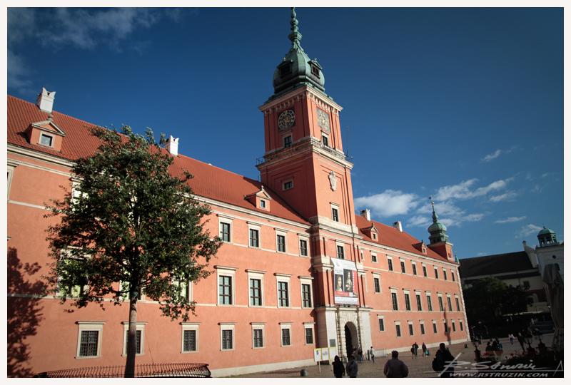 Warszawa. Zamek Królewski. Historyczna siedziba królów i... tymczasowe lokum dla pewnej Damy.