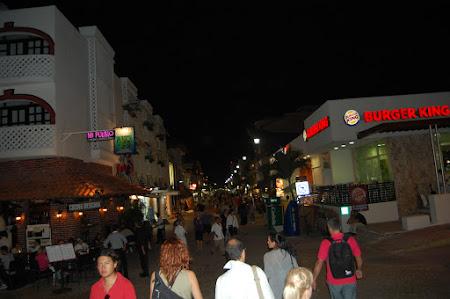 Vacanta Mexic: Strada pietonala Playa del Carmen