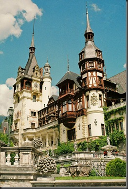 peles-castle-romania (1)