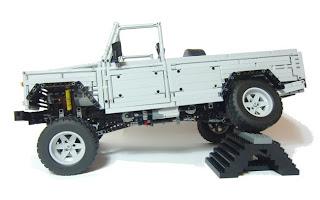 lego-landrover-defender-110.jpg