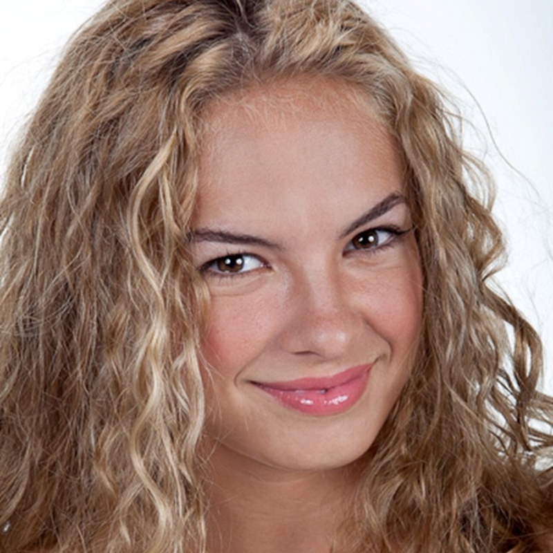 Fotos de Lua Blanco, a Roberta da Novela Rebelde