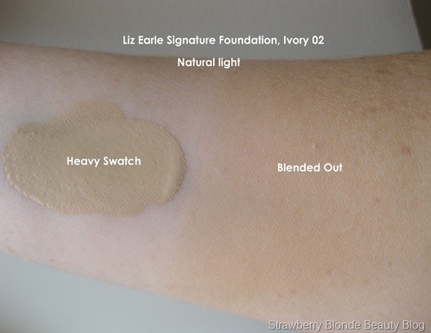 Signature-Foundation-Ivory-02-Swatch