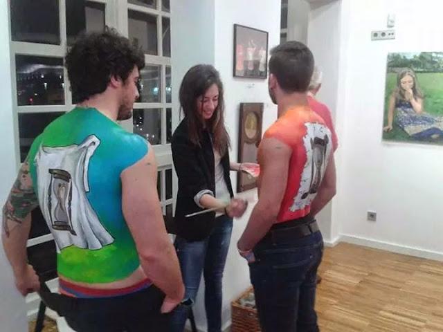 pintando Body art espalda chicos