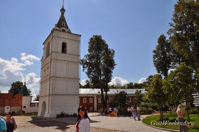 Kostroma_ipatievsky_monastery_1.jpg