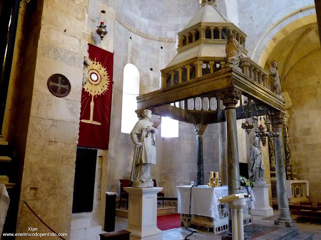 interior-de-la-catedral-de-san-lorenzo.JPG