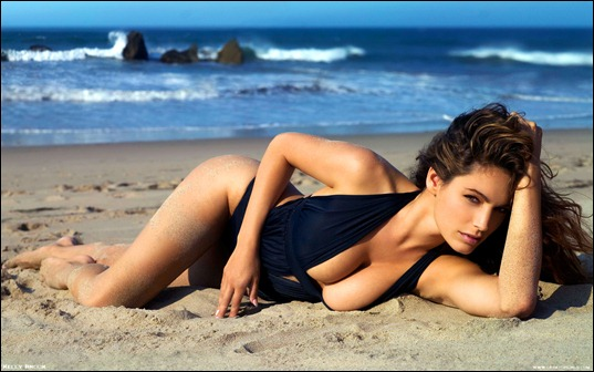 Kelly_Brook_Widescreen_212009112608AM303