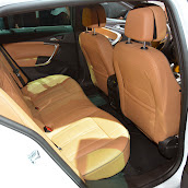 2014-Opel-Insignia-Country-Tourer-11.jpg