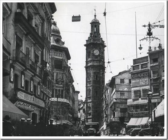 felices años 20_1925 plaza reina