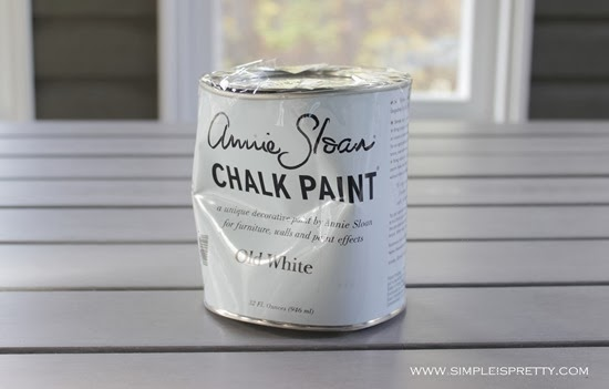 Annie Sloan Chalk Paint Old White from www.simpleispretty.com