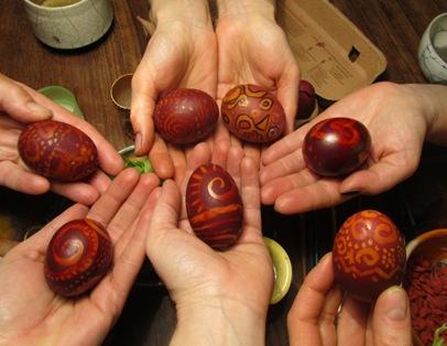Rotholz-Eier
