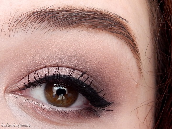 Benefit They're Real! Push up Liner applied review beautyblog