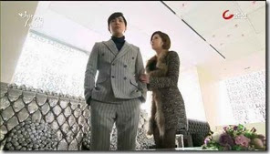 Bride.of.the.Century.E07.mp4_001038999_thumb[1]