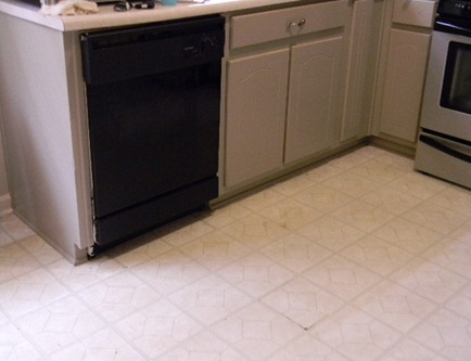 lower cabinets 004