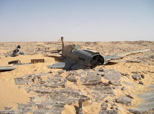aviao Kittyhawk P-40 encontrado no deserto 70 anos desbaratinando  (12)