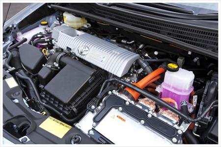 Toyota Prius-Plug-in Hybrid engine