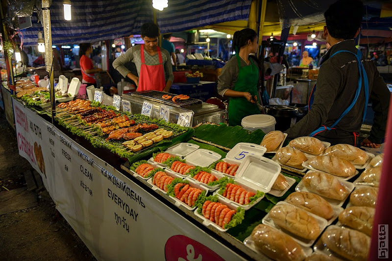 2557_Thailand_Pattaya_Jomtien_Night_market_at_beach-48
